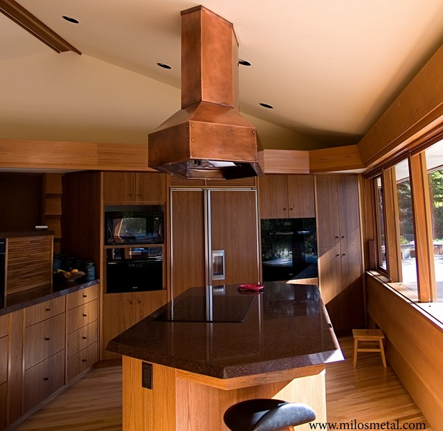 Copper island kitchen hood Frank Lloyd Wright style - Moderno ...