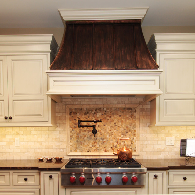 Copper Range Hood Traditional Kitchen Chicago by  : traditional kitchen from www.houzz.com size 638 x 640 jpeg 115kB