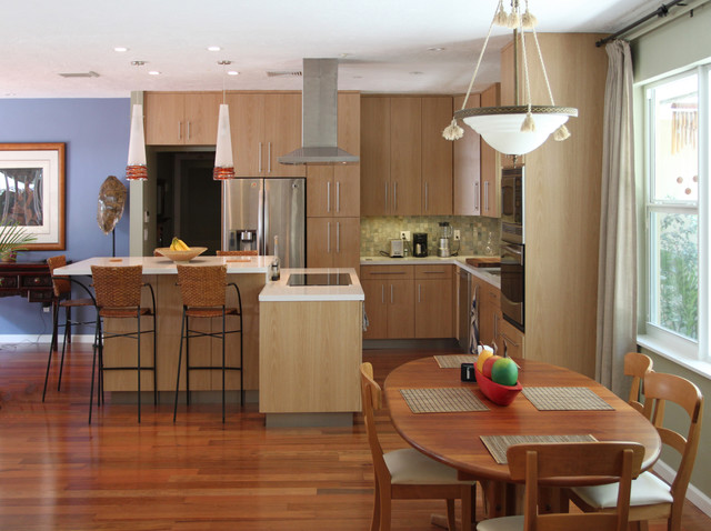 Coral Gables, FL  Modern  Kitchen  Miami  by Sharett Contracting
