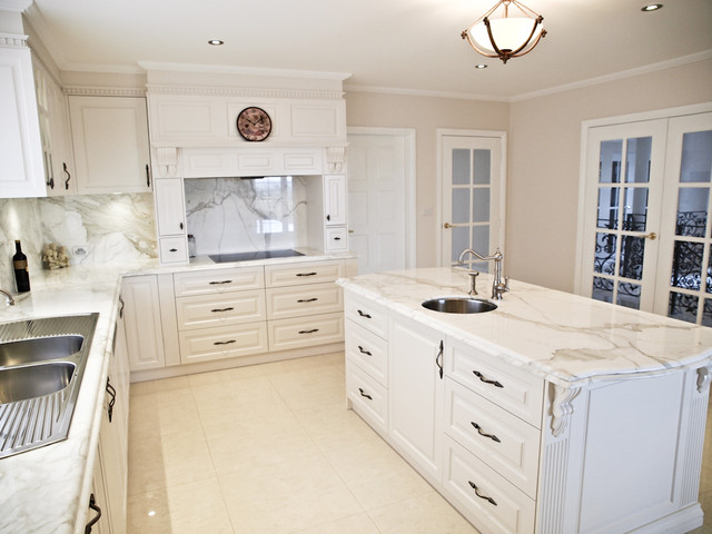 Cordeaux french provincial style country kitchen for Provincial style kitchen