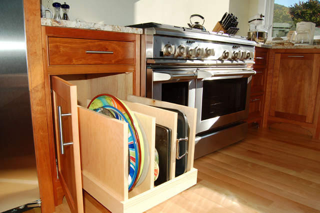 Corner and pullout cabinets that maximize space