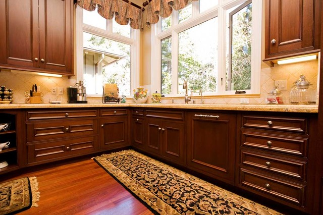 Corner Kitchen Sink Design By Bay Area Fine Home Builder Traditional Kitchen