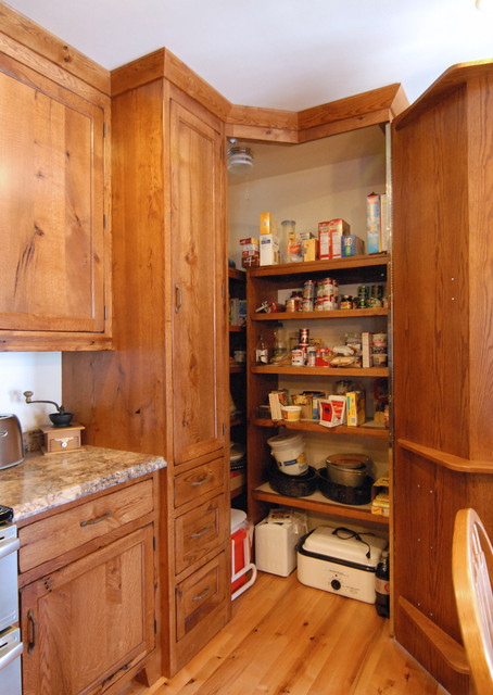 Corner Pantry Traditional Kitchen Other By Crossroads Custom Cabinetry