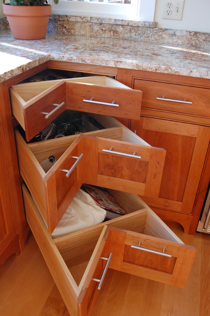 Corner pullout drawers traditional