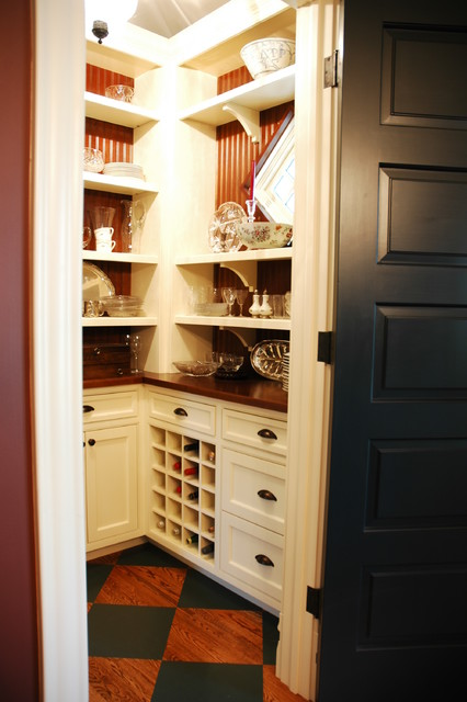 Walk In Pantry Traditional Kitchen Chicago By