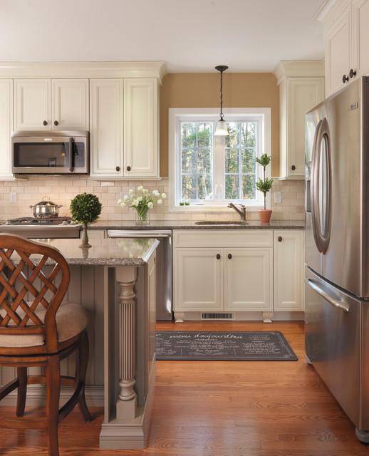 Family Friendly Kitchen Houzz: Cornerstone Gold Award Kitchen And Family Room