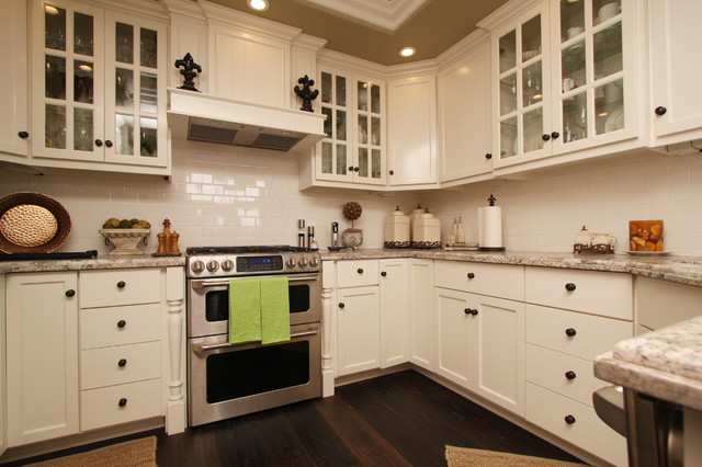 Corona Del Mar Cape Cod - beach style - kitchen - orange county ...