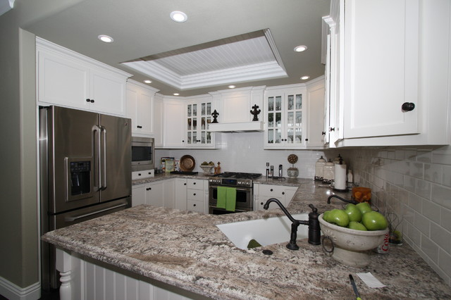 Corona del mar cape cod beach style kitchen other Cape cod style kitchen design
