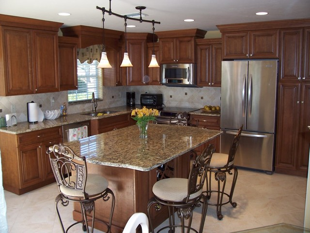 Corona Del Sire, North Fort Myers traditional-kitchen