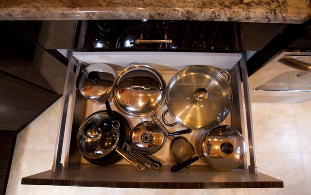 """""""Corsica"""" High Gloss Macassar contemporary-kitchen"""