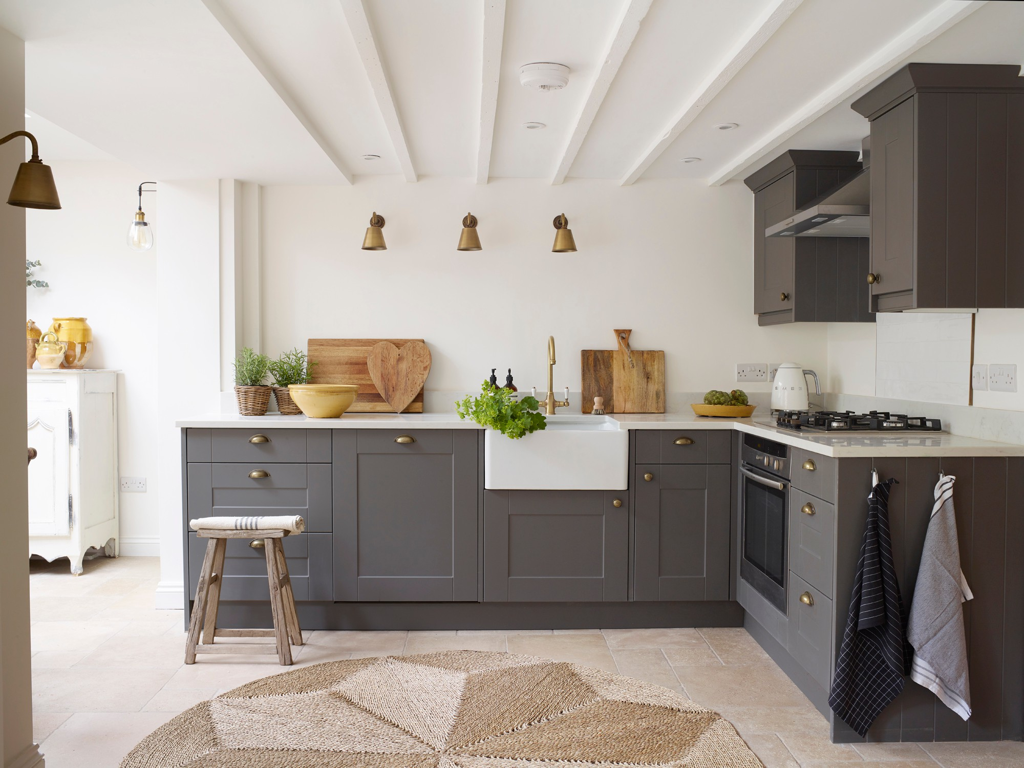 75 Beautiful Farmhouse Kitchen With No Island Pictures Ideas December 2020 Houzz