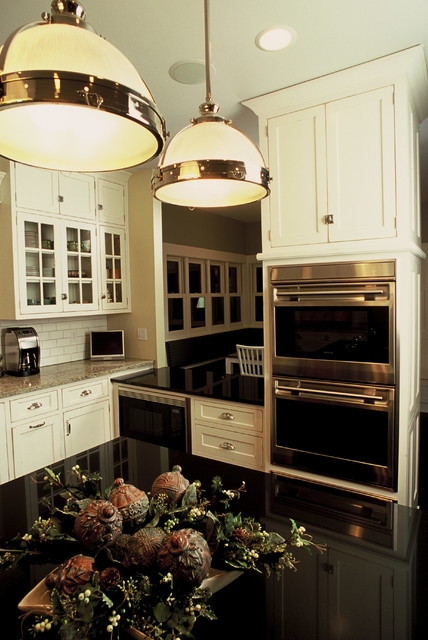 Cottage Cozy traditional-kitchen