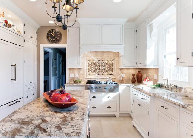 Kitchen Cabine With White Glaze