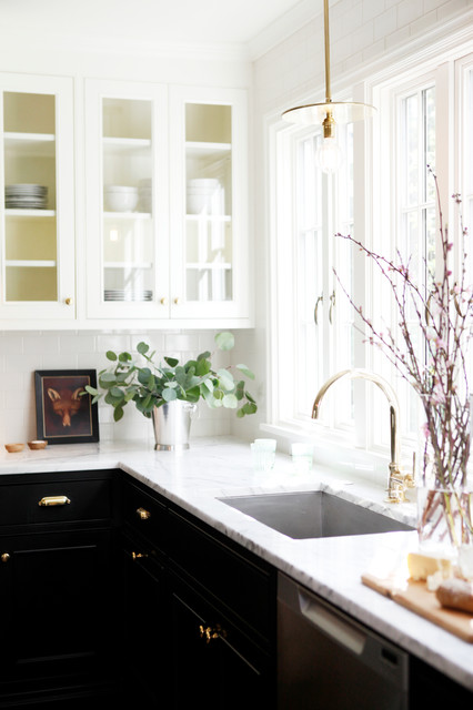 Transitional kitchen photo in Seattle