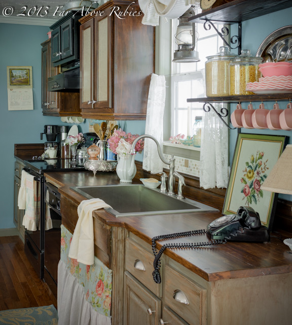 Cottage kitchen vintage style - Farmhouse - Kitchen - atlanta - by Anita Diaz for Far Above Rubies