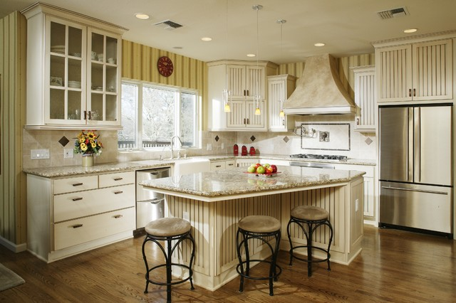 Cottage style kitchen traditional kitchen sacramento for Bungalow style kitchen cabinets