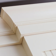 Cottage Styled Crown Molding Detail on Kitchen Cabinets from Dura Supreme