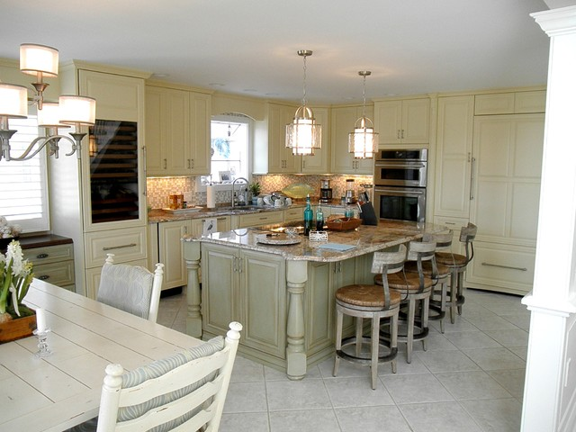 Cottage Traditional Executive Kitchen traditional-kitchen