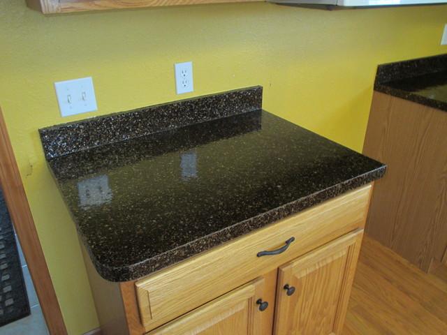 Countertop Resurfacing Materials : Countertop resurfacing traditional-kitchen