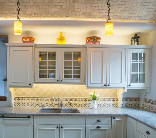country charm santa fe nm mediterranean kitchen albuquerque by statements in tile. Black Bedroom Furniture Sets. Home Design Ideas