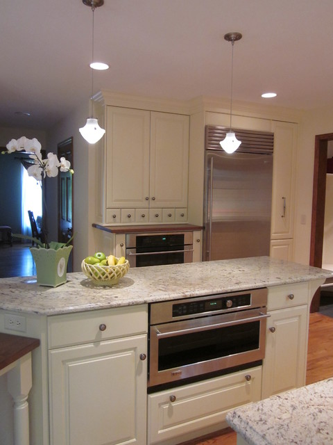 Country Chic traditional-kitchen