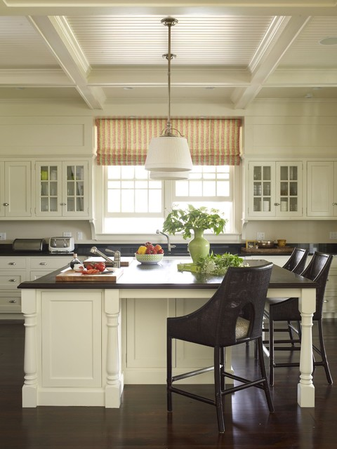 Country Houses traditional-kitchen