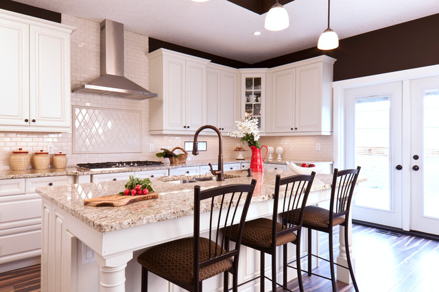 Kitchen - Residence Camrose I - Traditional - Kitchen - edmonton - by Madison Park Homes