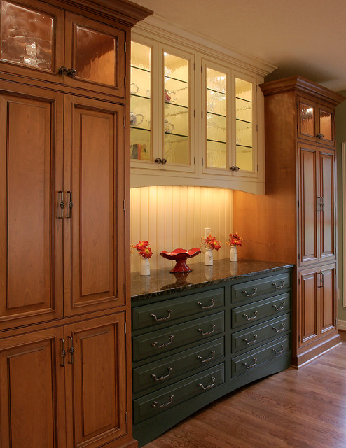 Country Kitchen & Bath traditional-kitchen