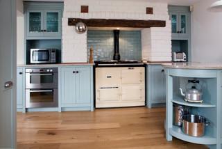 Design Workarounds Update an English Heritage Kitchen