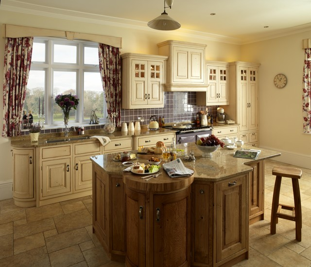 Superbe Country Kitchens Traditional Kitchen