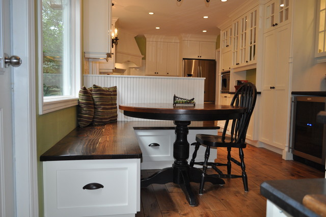 Country meets city for A w beattie dining room
