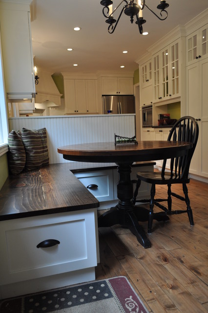 Country meets city traditional kitchen