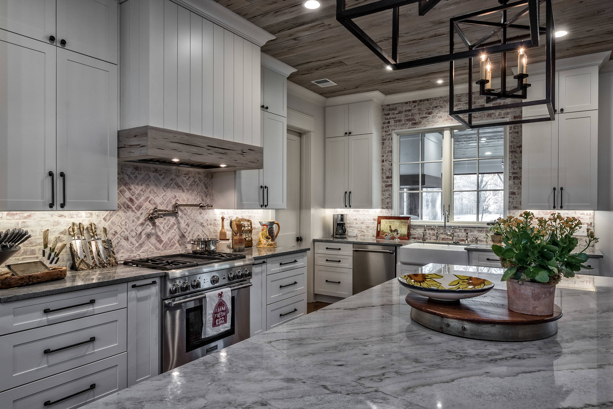 75 Beautiful Rustic Gray Kitchen Pictures Ideas April 2021 Houzz