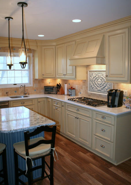 Country Style Colonial Kitchen Country Kitchen New York By