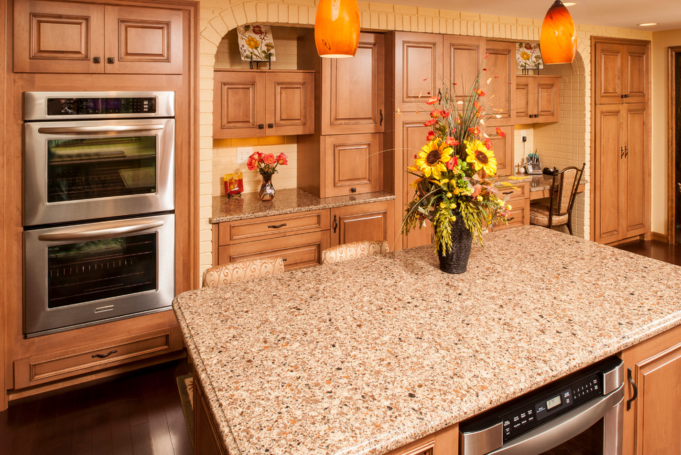 Country style Raised panel kitchen