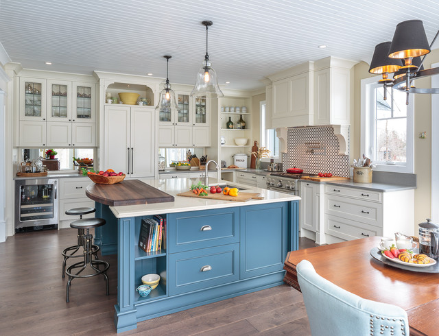 Countryside Traditional Kitchen - Astro Design - Ottawa traditional-kitchen