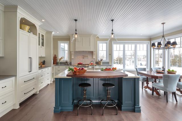 Countryside traditional kitchen astro design ottawa for Kitchen designs ottawa