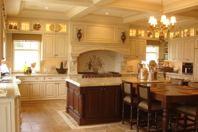 Oyster Bay Cove traditional-kitchen