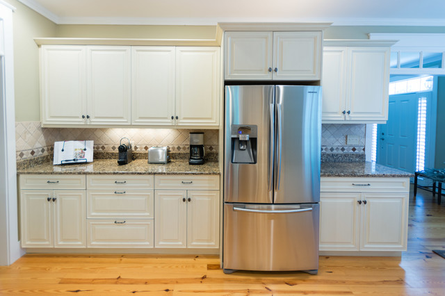 cozy inviting beach style kitchen other metro by a and e kitchen design inc. Black Bedroom Furniture Sets. Home Design Ideas