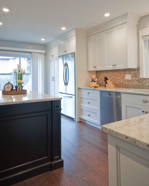 Family Friendly Kitchen Houzz: Cozy Family Home