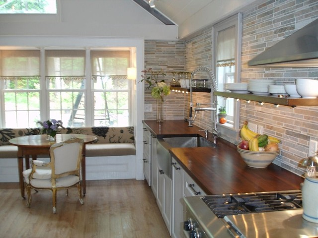 Cozy Kitchen/Gathering Room with Custom Wood Countertops ...