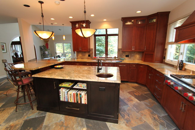 example of a large arts and crafts l shaped slate floor eat in kitchen - Kitchen Saver
