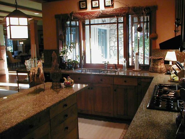 Craftsman Kitchen 1 traditional-kitchen