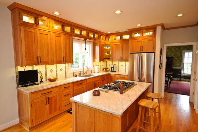 example of an arts and crafts kitchen design in dc metro - Craftsman Kitchen Cabinets