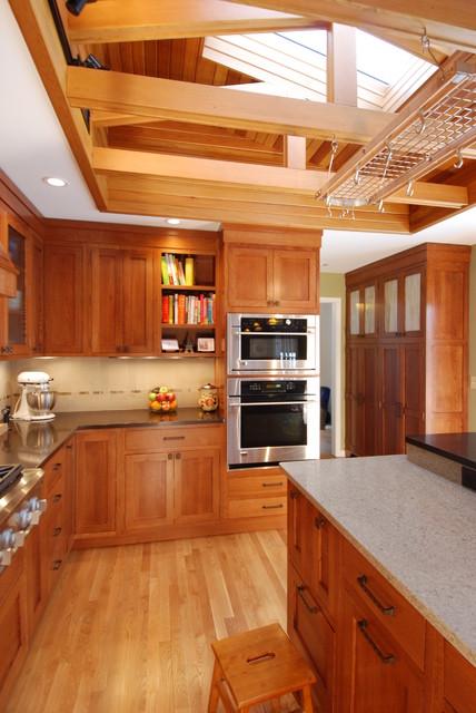 Craftsman Kitchen traditional-kitchen