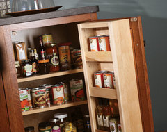 Craftsman - Storage Detail traditional kitchen
