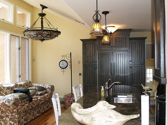 Craftsman style kitchen traditional-kitchen