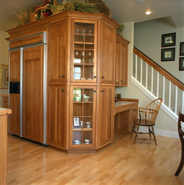 Craftsman Style Kitchen, Hickory Wood Cabinets