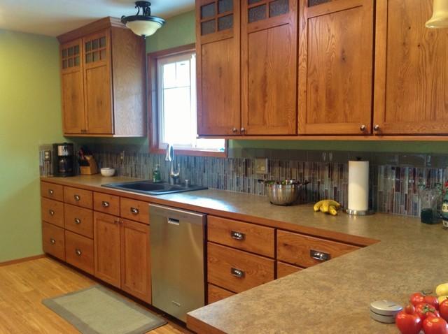 Craftsman Style Kitchen In Rustic Oak