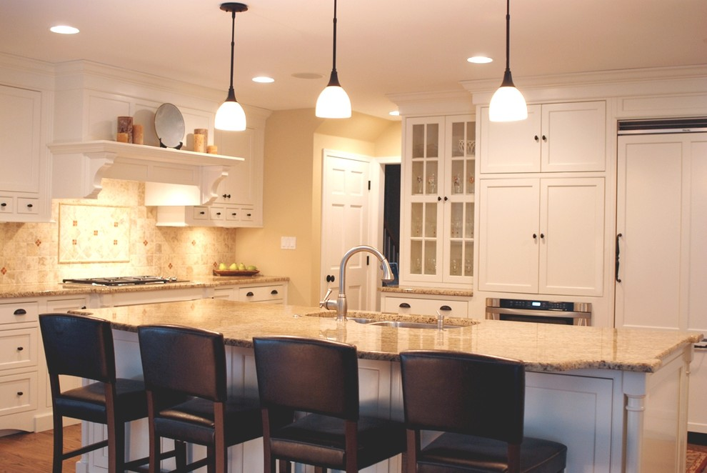 Inspiration for a timeless kitchen remodel in Philadelphia